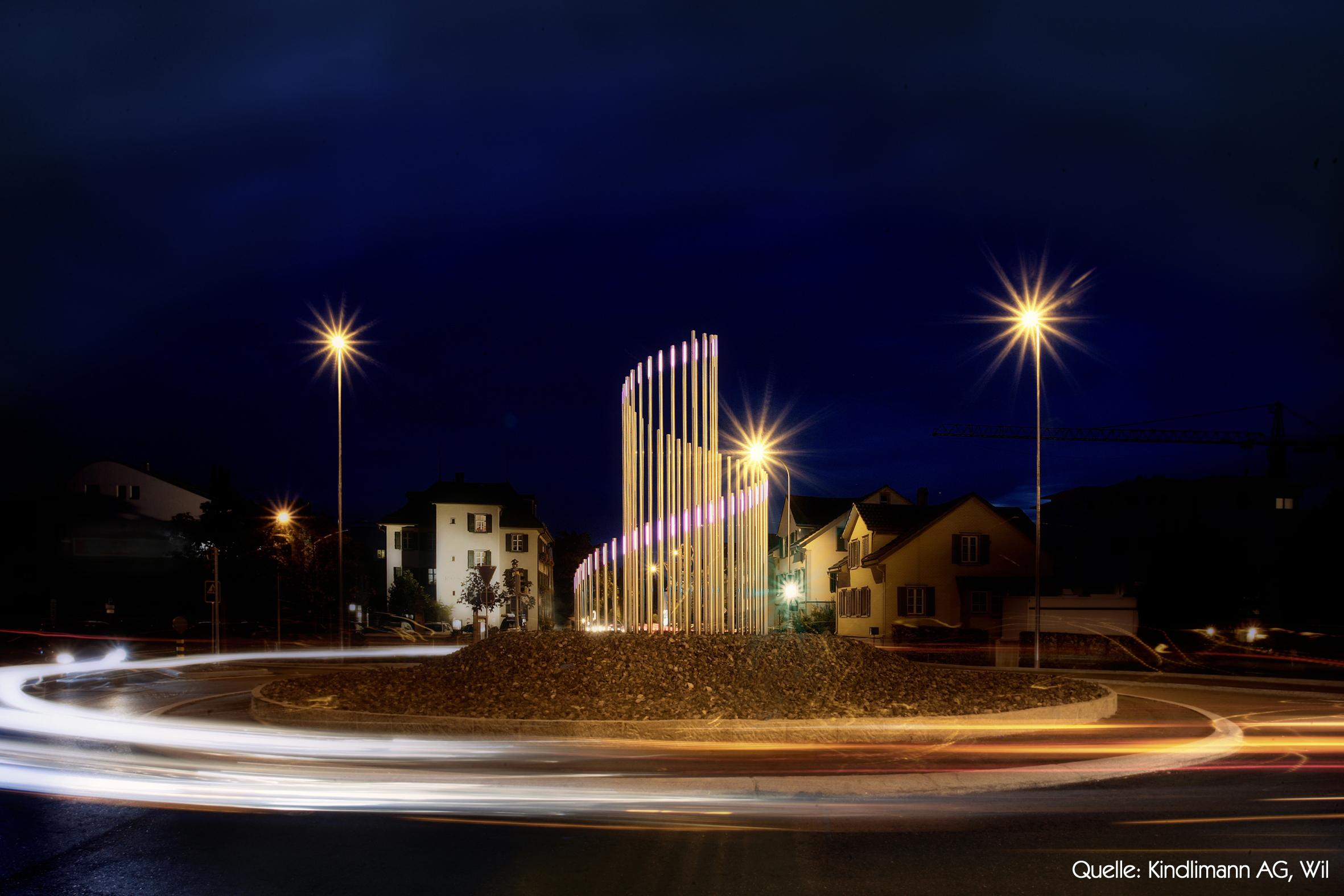 Rössli-Kreisel Wil bei Nacht